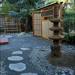 tips memadukan bambu dan batu alam untuk membuat taman
