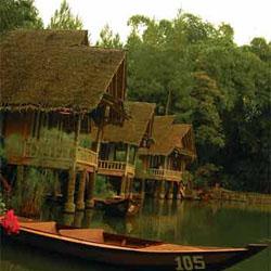 Konstruksi dan Desain Rumah Panggung Tradisional di Tengah