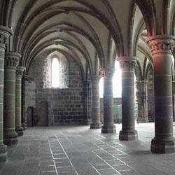 Interior bangunan kuno