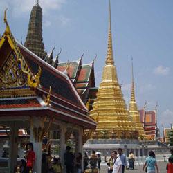 Perbedaan istana di eropa dan asia